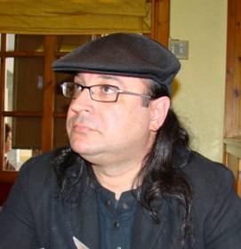 Dolan Mor poeta cubano
